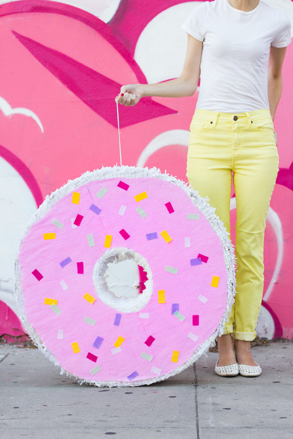 13 Doughnut Recipes and Crafts Pinata
