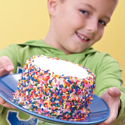 13 Tricks for an April Fool's Day Treat Sponge Cake