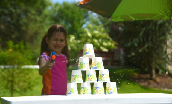 15 DIY Water Toys to Make for Summer Water Pistol Target Range