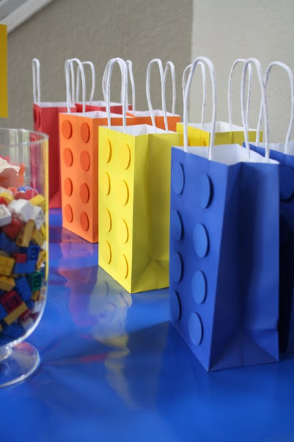 15 Ideas for a Lego Movie Party Gift Bags