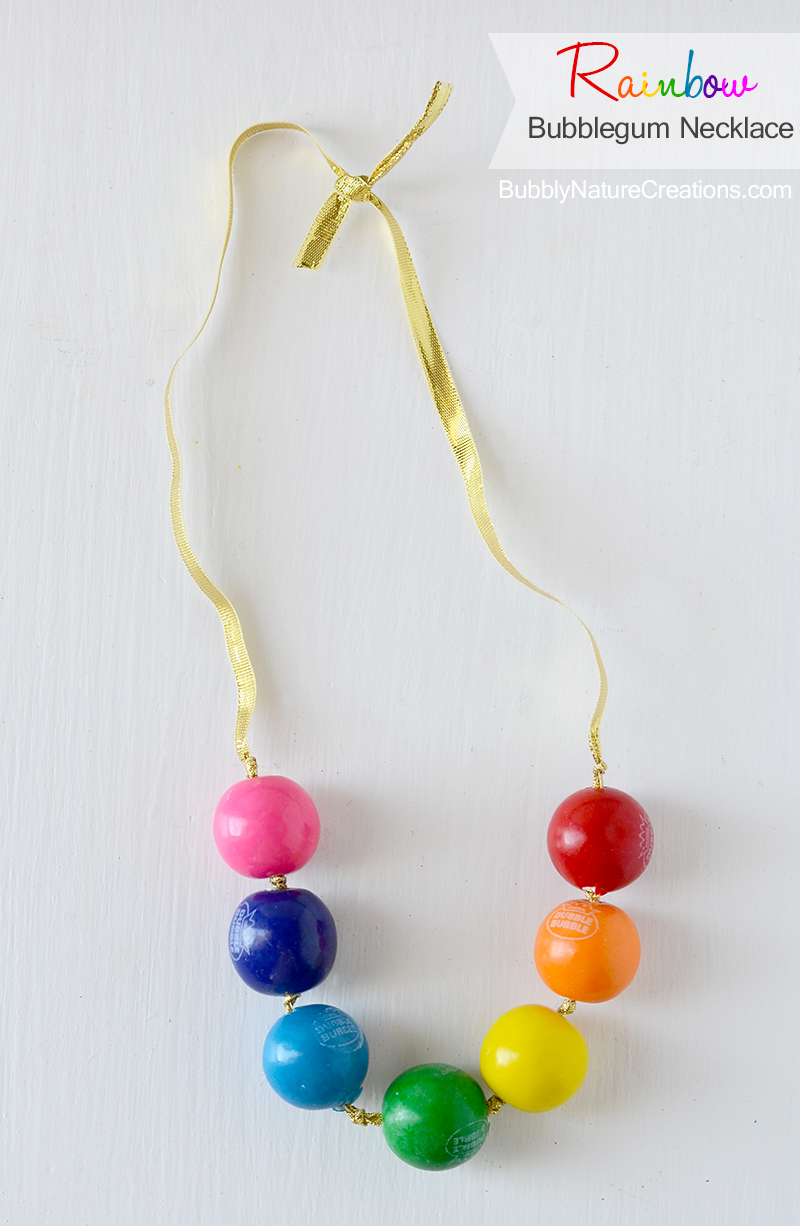 17 DIY Lucky Rainbows to Make Bubblegum Necklace