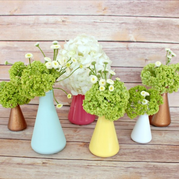 20+ Spring Flowers and DIY Vases to Make Little Shirley Vases
