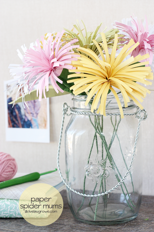 20+ Spring Flowers and DIY Vases to Make Spider Mums