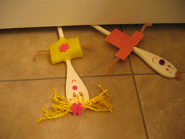 bathroom-wooden-spoon-puppets-015.jpg