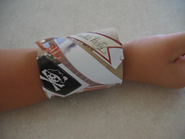 kids-craft-matts-wrist.jpg