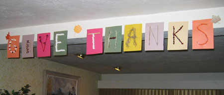 give-thanks-banner.<span class=