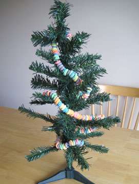 tree-done-fruit-loop-garland-063.jpg