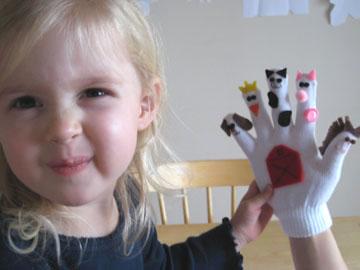 front-winter-glove-puppets-046.jpg
