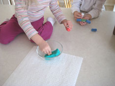 kids-cornstarch-peanuts-023.jpg