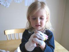 lucy-play-hands-winter-glove-puppets-053.jpg