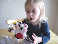 lucy-play-winter-glove-puppets-055.jpg