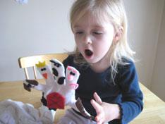 lucy-play-winter-glove-puppets-055.jpg