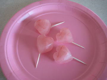pink-plate-heart-ice-pops-012.jpg