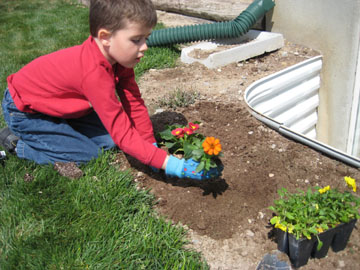 Plant a Rainbow Flower Garden Make and Takes