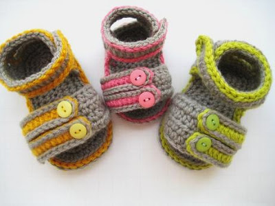 33802b90883c3 15 Cute Crochet Baby Sandals begging to be made! | Make and Takes