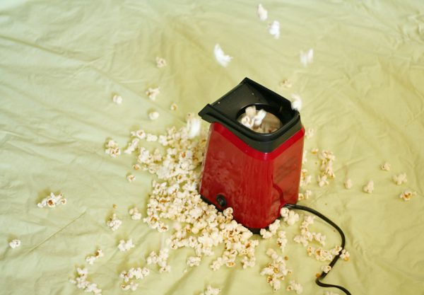Popping popcorn and exploring the 5 senses