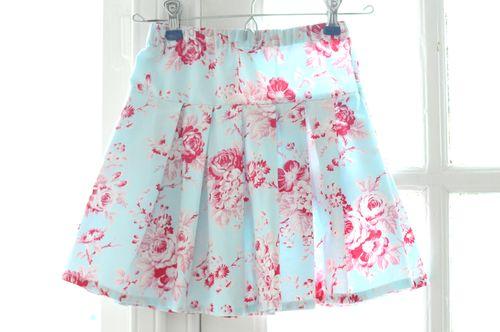 Easy Peasy Pleated Skirt