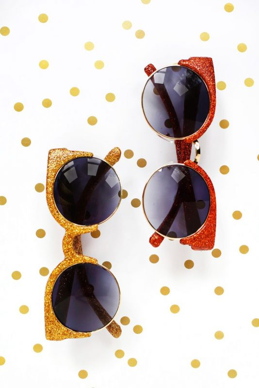 make-your-own-glitter-sunglasses