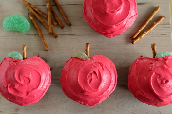 Apple-Shaped-Cupcakes
