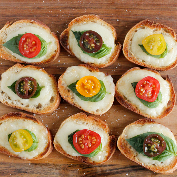 Baked Brie Baguette Bites with Tomato and Basil