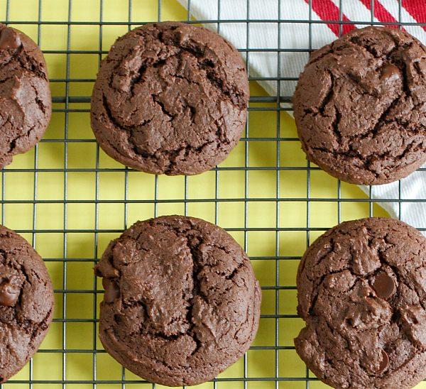 Baking Chocolate Cake Mix Cookies