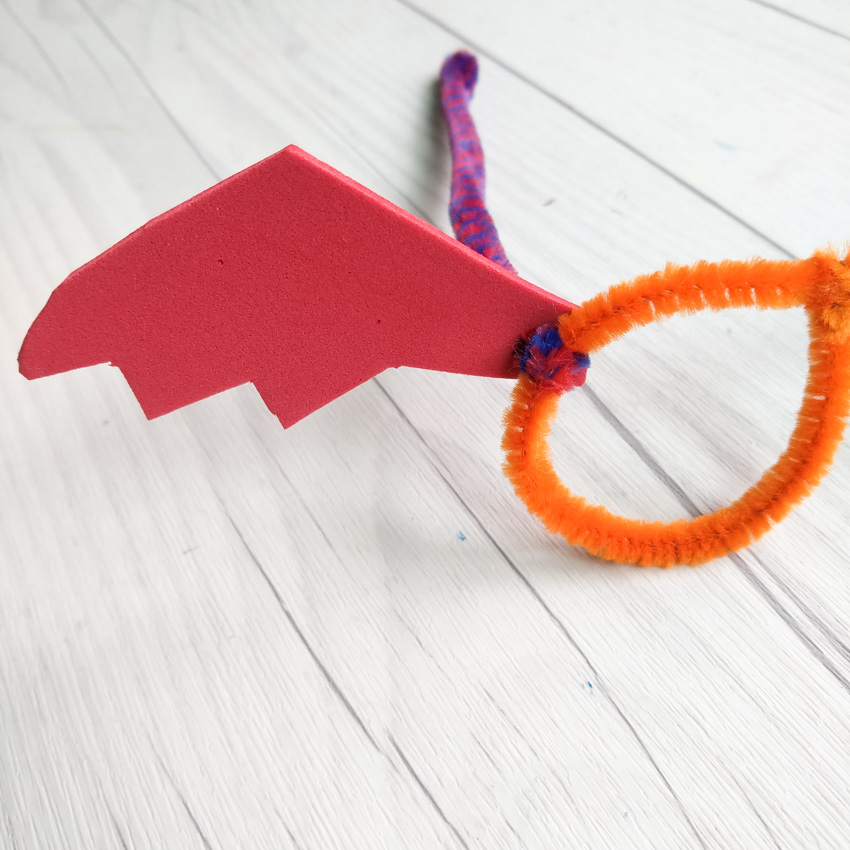 Bat-tastic Bifocals using Pipe Cleaners - Halloween Craft for Kids