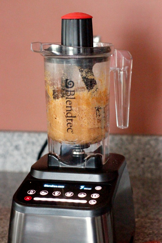 Blending Graham Cracker Crust with the Blendtec Twister