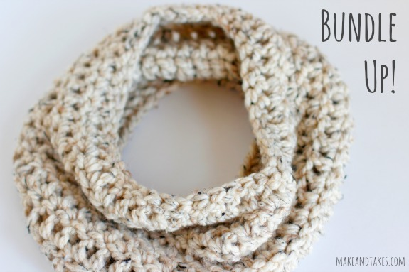 Bundle Up With Our Quick Chunky Crochet Cowl @makeandtakes.com #crochetaday