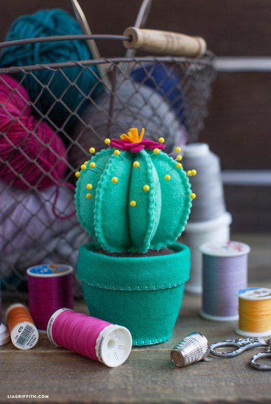 Felt Cactus Pincushion DIY