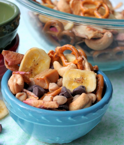 Caramel Apple Trail Mix in a bowl
