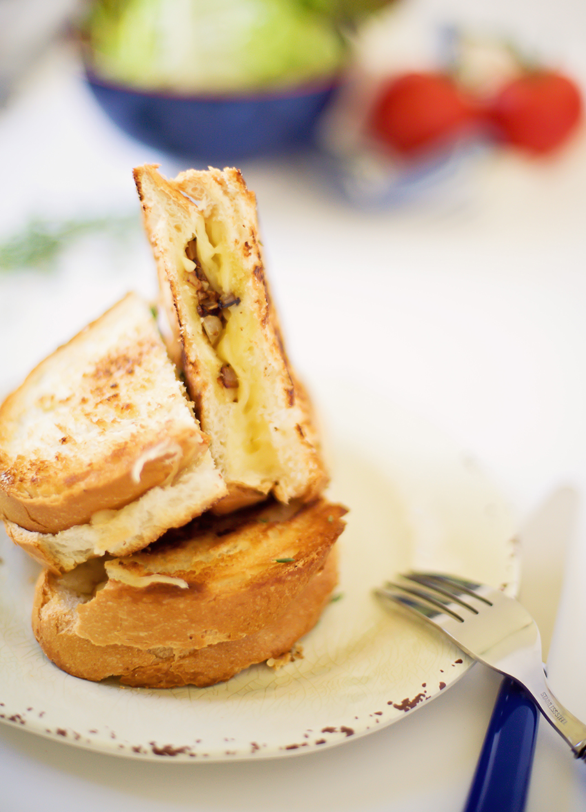 Caramelized Mushroom & Onion Grilled Cheese Recipe