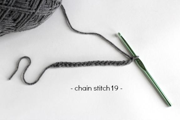 Chain Stitch Crochet Mustache makeandtakes.com