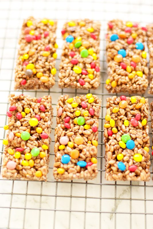 Chewy Granola Bars for Snacktime
