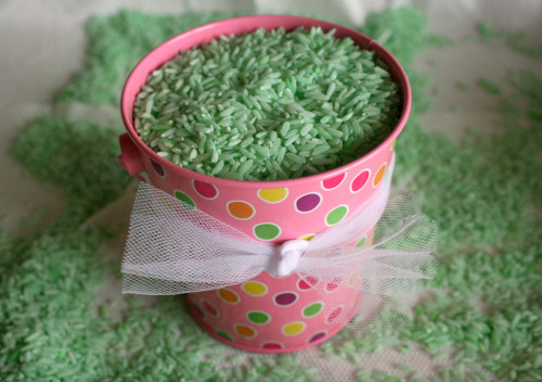 Coloring Rice Green for a Springtime Display