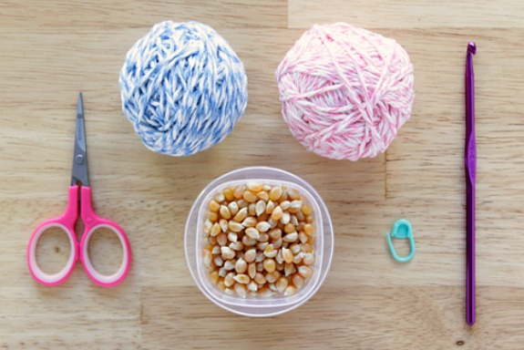 Crochet Amigurumi Hacky Sack Pattern Supplies by @handsoccupied.com for @makeandtakes.com
