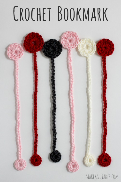 Crochet Bookmark Pattern @makeandtakes.com #crochetaday