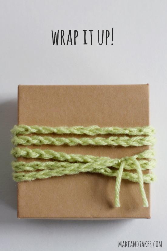 Crochet Chain Stitch Ribbon @makeandtakes.com #crochetaday
