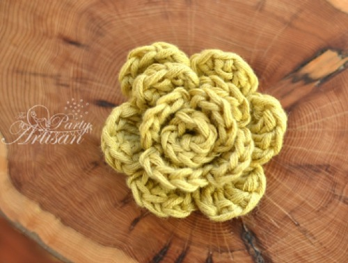 Crochet Flower by thepartyartisan.co.uk