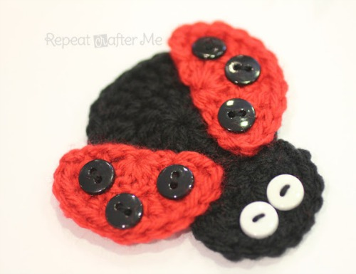 Crochet Ladybug Applique from repeatcrafterme.com