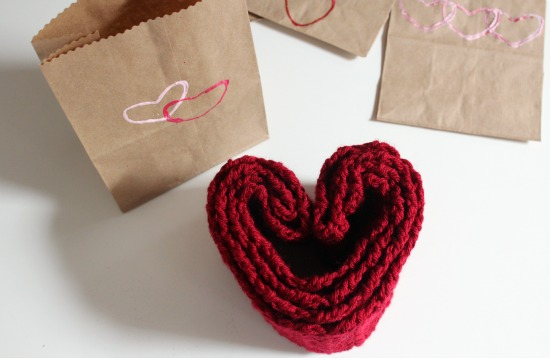 Crochet Scarf Valentine's Day Gift makeandtakes.com