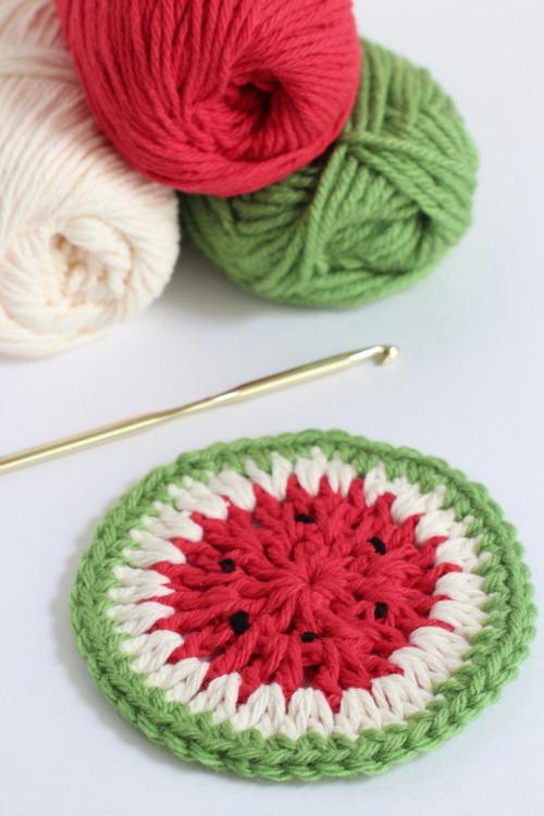 Crochet Watermelon Coasters makeandtakes.com