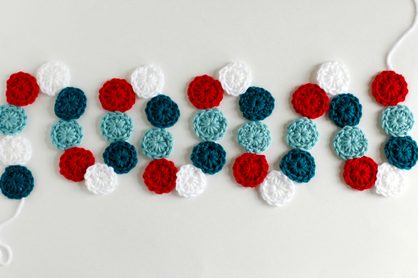 Crochet a Circle Holiday Garland