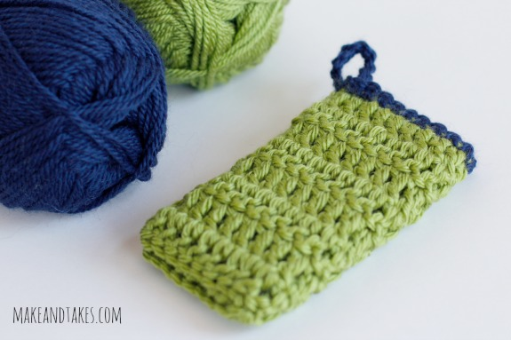 Crocheting a Cute Cozy for your Phone @makeandtakes.com #crochetaday