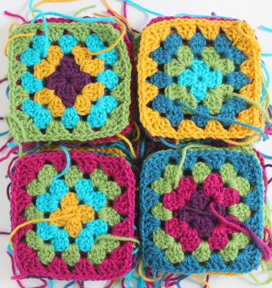 Crocheting a Granny Square Blanket makeandtakes.com