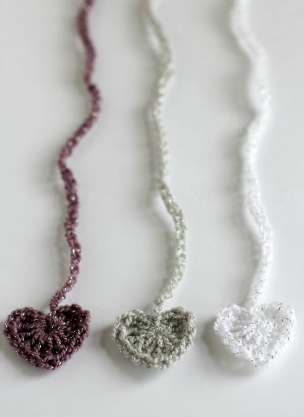 Cute Crochet Heart Chain Ribbon Tutorial
