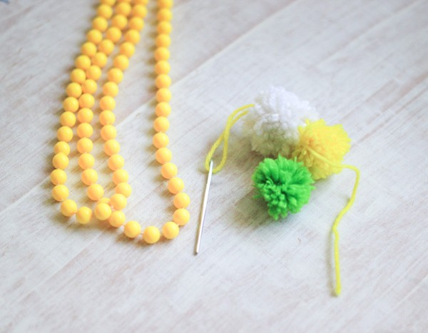Cute Pom Pom Yarn Necklace
