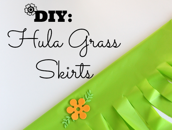 DIY Hula Grass Party Skirts @makeandtakes.com
