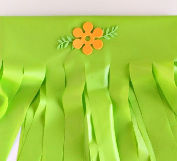 DIY Hula Skirt for party guests