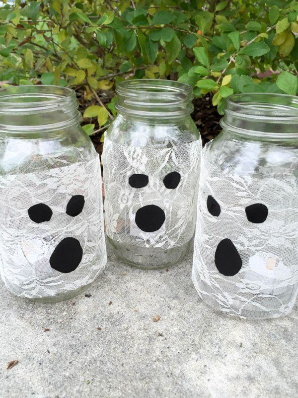 Easy DIY Mason Jar Luminaries