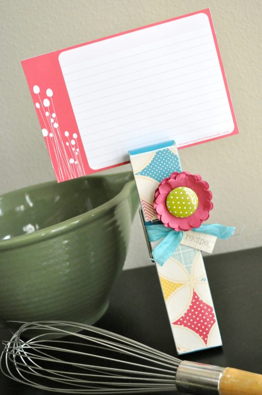 giant clothes pin recipe card holder
